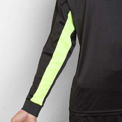 camiseta portero roly modelo porto detalle manga delantera