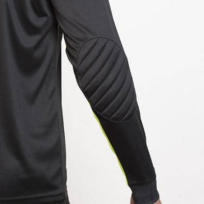 camiseta portero roly modelo porto detalle manga trasera
